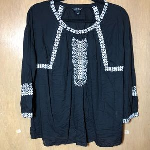 Lucky Brand Black & White Embroidered Peasant Top